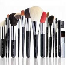 Большой ассортимент профессиональной косметики для макияжа представлен в нашем интернет-магазине по доступной стоимости