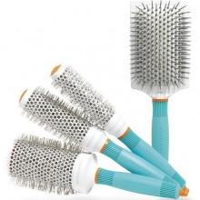 Большой выбор профессиональных расчёсок представлен на нашем сайте по доступной стоимости. У нас: гарантия качества, быстрая доставка